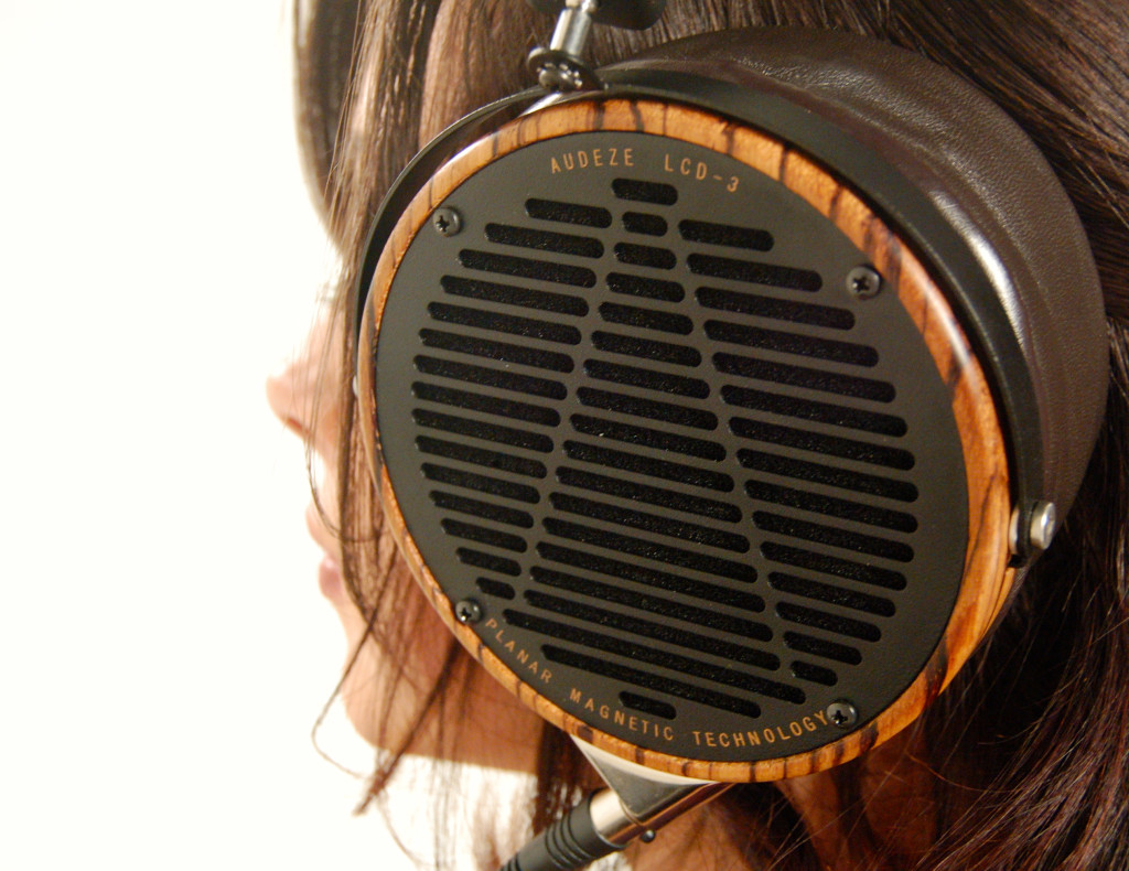 Audeze LCD-3 Audiophile Flagship Headphone