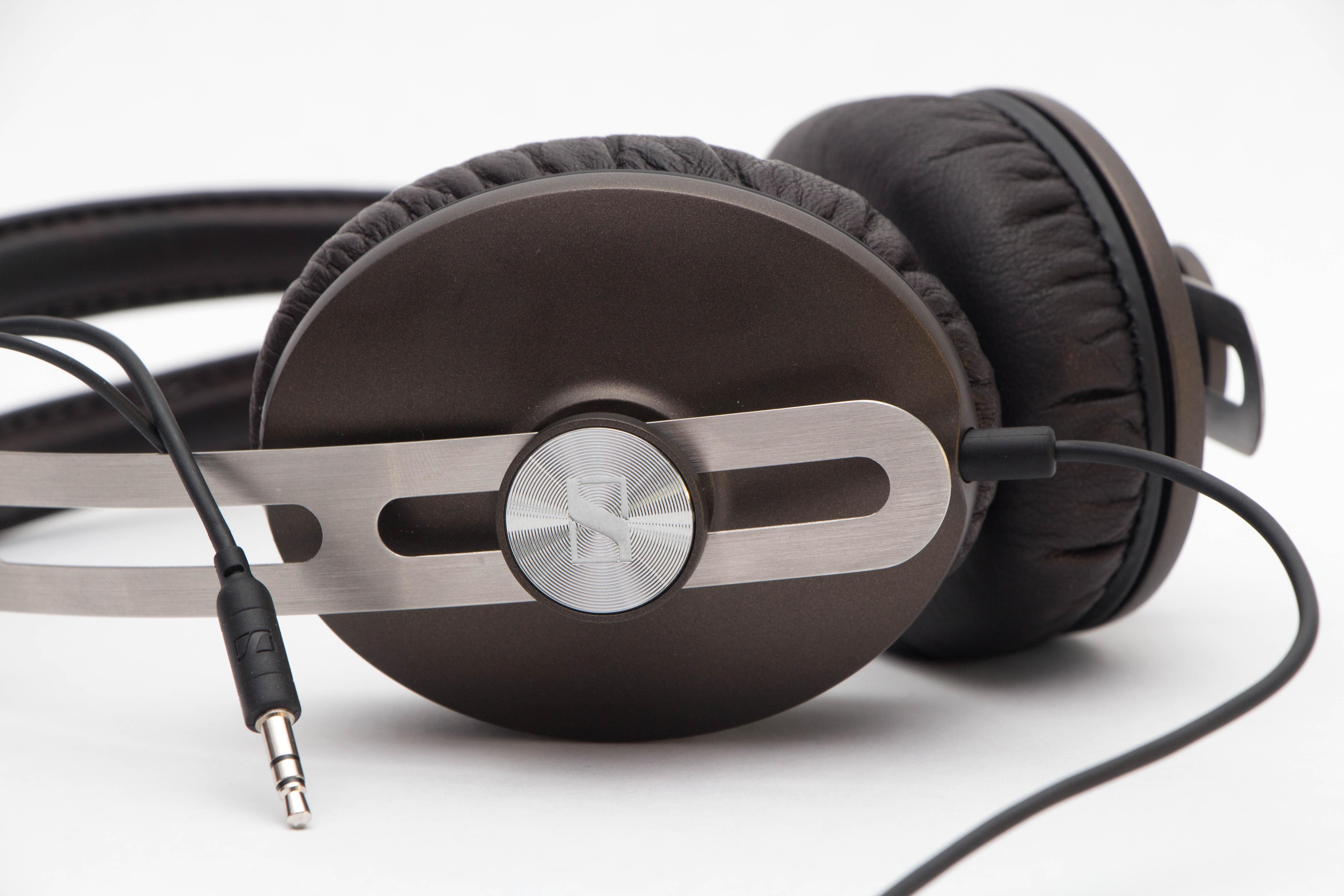 how to put netflix sound on headphones