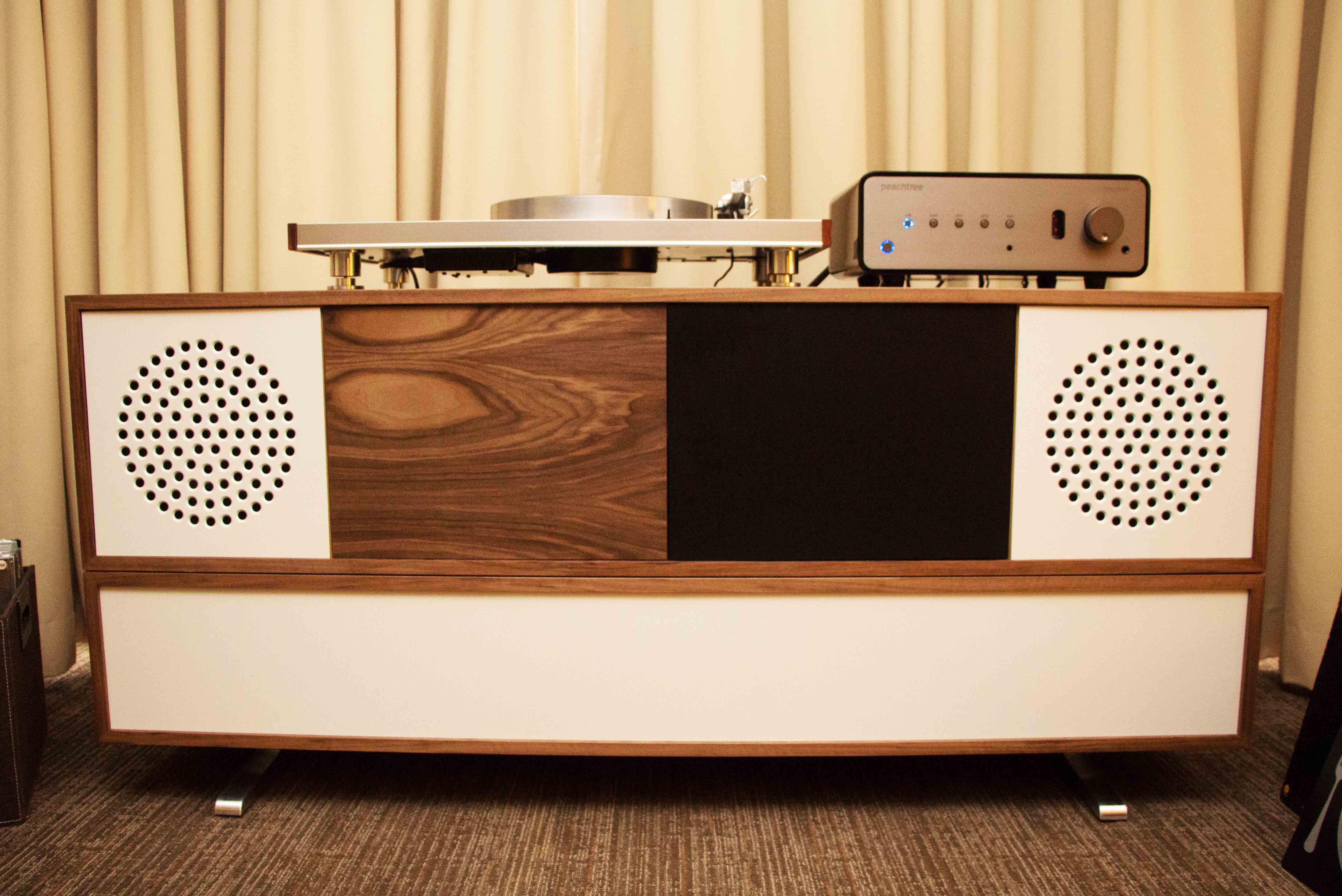 Merveilleux Zu Audio Furniture 1